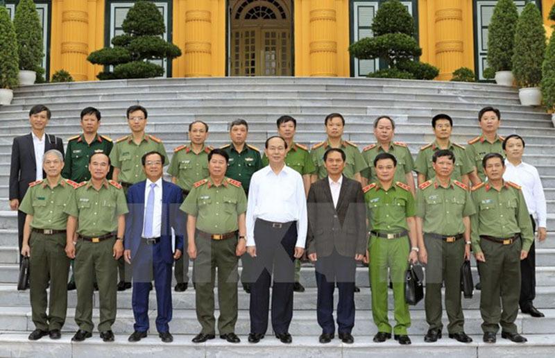 Chủ tịch nước làm việc với Bộ Công an, Quốc phòng về an ninh APEC