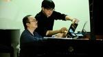 Nghệ sĩ piano Lưu Hồng Quang biểu diễn ở hoà nhạc Toyota