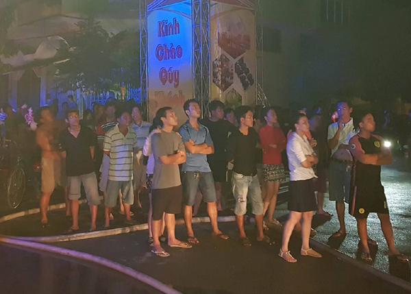 Cháy nhà hàng karaoke, 25 người mắc kẹt kêu cứu ở Sài Gòn