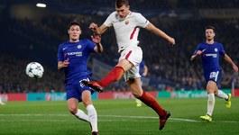 """Chelsea và Roma cưa điểm sau màn rượt đuổi """"điên rồ"""""""