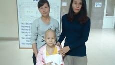 Trao hơn 72 triệu đồng đến bé Phạm Thị Minh Hằng bị ung thư xương0