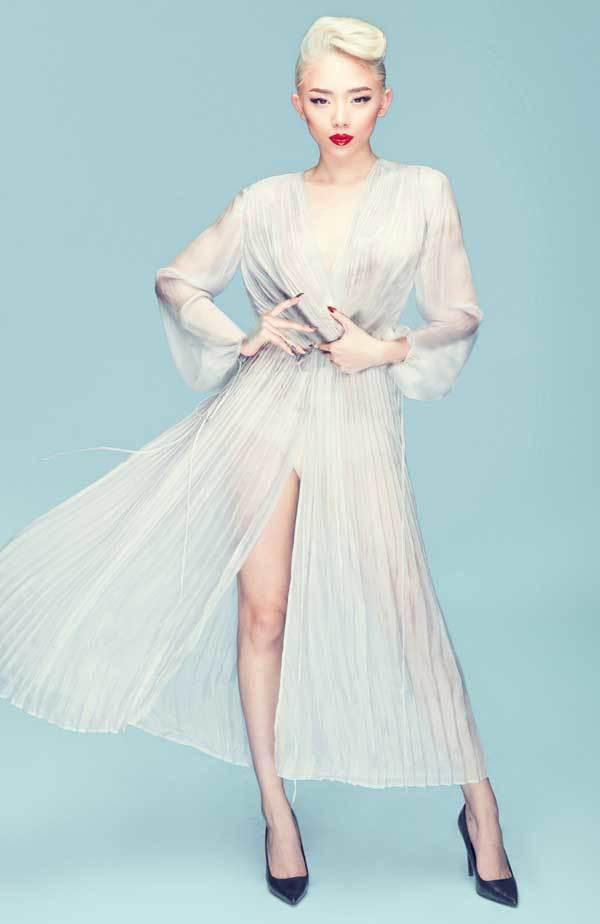 Sơn Tùng, Tóc Tiên sẽ hát tại bán kết Hoa hậu Hoàn vũ Việt Nam