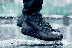 """Những món đồ """"khắc tinh"""" của mùa mưa mà nam giới nên sở hữu"""