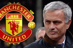 Bực thái độ Mourinho, sếp MU đưa Enrique lên thay