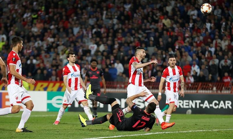 Giroud lập siêu phẩm, Arsenal rộng cửa đi tiếp ở Europa League