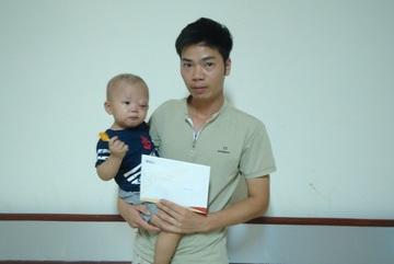 Hơn 10 triệu đồng bạn đọc giúp đỡ bé Lưu Đức Huy bị bệnh Sacom cơ vân