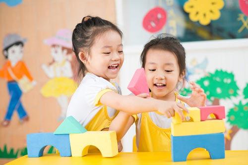 4 tuyệt chiêu giúp bé phát triển tư duy trí tuệ
