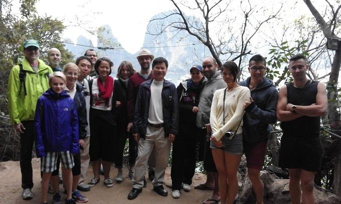Góc khuất nghề,Hướng dẫn viên du lịch,Khách du lịch nước ngoài
