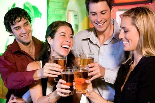 Bí quyết bảo vệ đại tràng khi uống rượu bia