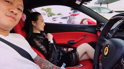 Tuấn Hưng chở vợ đi chơi bằng siêu xe 15 tỉ