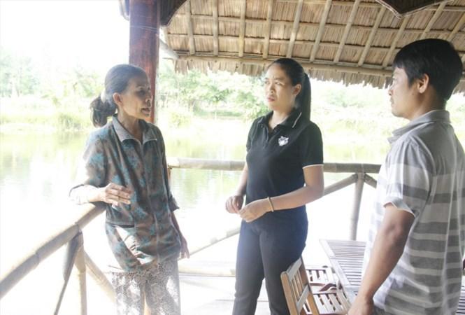 Những 'cụ' hướng dẫn viên U60, U70 nói tiếng Anh tiếp đón du khách