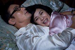Cười chảy nước mắt với cảnh diễn viên đóng thế bầm dập vì bị ăn đòn