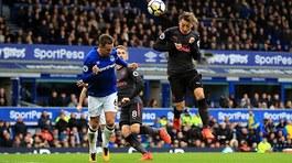 Thắng 5-2, Arsenal đẩy Everton chìm sâu vào khủng hoảng