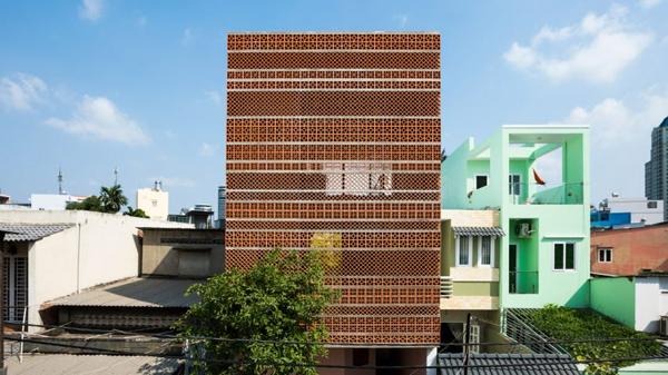 Ngôi nhà mặt tiền bằng đất nung 'nổi bần bật' giữa lòng Sài Gòn - Tin Tức Bất Động Sản Việt Nam
