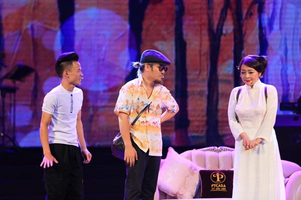 MC Thảo Vân khoe giọng hát ngọt ngào bên Hồ Quang 8