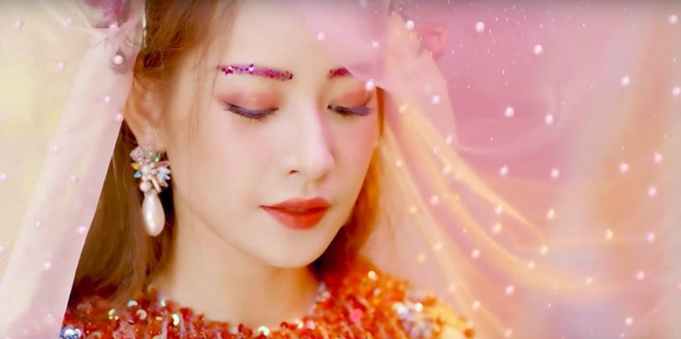 Chi Pu tiếp tục ra teaser của MV mới mặc dư luận