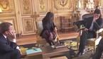 Tổng thống Pháp đỏ mặt vì cún cưng 'tè bậy'