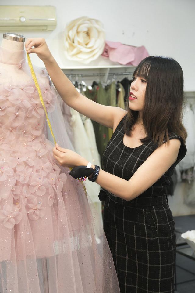 Vũ Thu Phương tham gia Tuần lễ thời trang quốc tế sau khi 'tố' đạo diễn Hollywood gạ tình