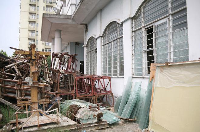 Chung cư bỏ hoang, dự án bỏ hoang