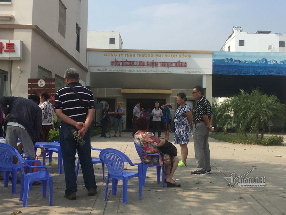 Quảng Ninh: 12 cửa hàng phục vụ khách TQ bị tạm dừng