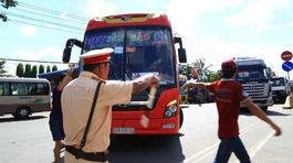 CSGT nói gì với tài xế trả tiền lẻ qua trạm BOT Biên Hòa?