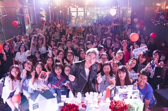 Huyền My khóc xin lỗi khán giả vì trượt top 5 Hoa hậu