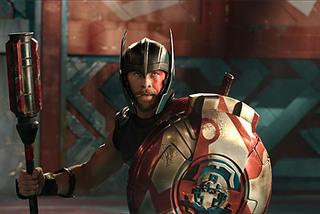 Được khen hết lời, 'Thor 3' đếm tiền mỏi tay sau 10 ngày ra rạp