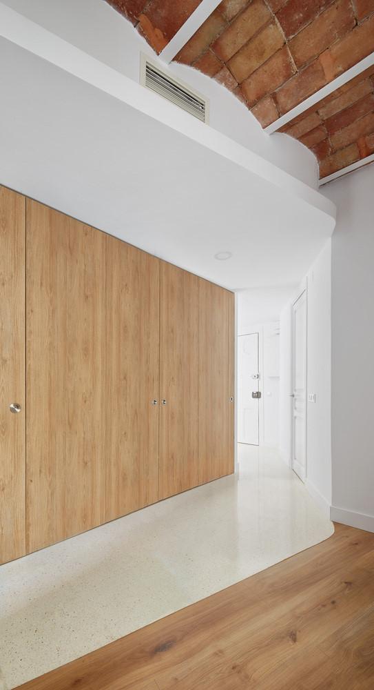 Căn hộ thiết kế độc đáo với bếp ẩn sau cửa trượt