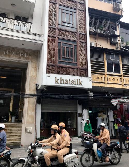 Công an, quản lý thị trường kiểm tra, thu giữ hàng hóa của Khaisilk