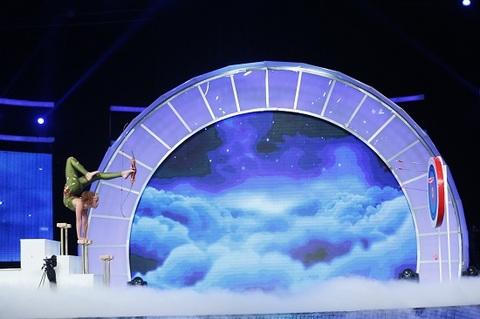 Màn trình diễn của Bella trên sân khấu Little Big Shots Mỹ