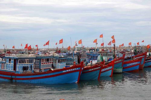 PVGas South hỗ trợ an toàn cho ngư dân