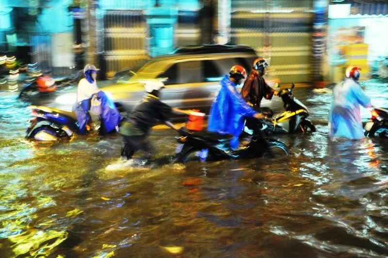 Thời tiết 27/10: Biển Đông nguy cơ có áp thấp nhiệt đới