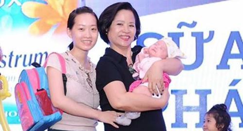 Bí quyết nuôi con khỏe của bà mẹ 50 tuổi