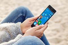 Microsoft sắp ra mắt điện thoại gập Surface Phone