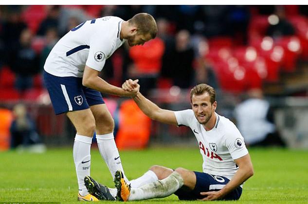 Tottenham nhấp nhổm vì Harry Kane, MU mừng khôn xiết
