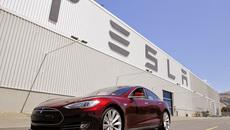 Tesla bắt tay Samsung và LG mua pin cho xe điện