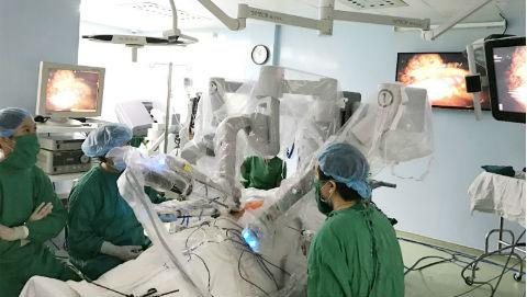 Phẫu thuật ung thư đại trực tràng bằng robot