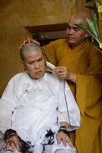 Phước Sang đột ngột xuống tóc