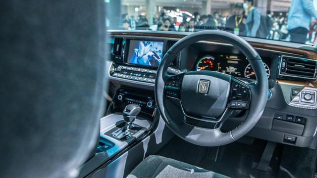Cận cảnh mẫu xe được ví như Rolls-Royce của Nhật Bản