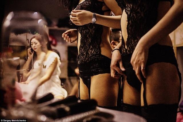 Câu lạc bộ đêm ở Trung Quốc,Mại dâm trá hình ở Trung Quốc,Đường dây mại dâm,Mại dâm trong quán bar,Bán dâm