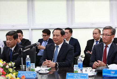 Phó Thủ tướng Lào thăm và làm việc với Vinamilk