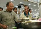 Thủ tướng dùng suất cơm ca chiều với công nhân