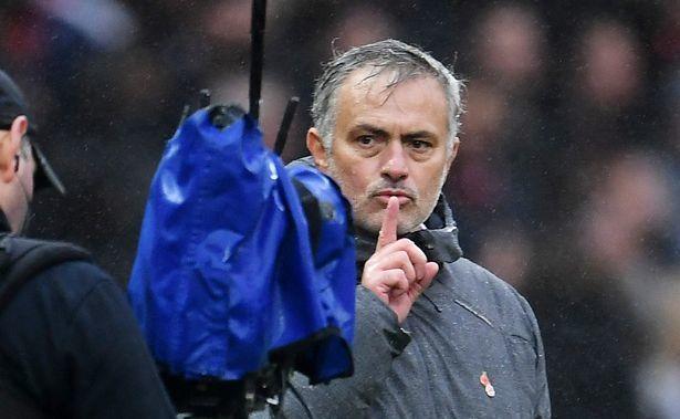Martial khoe 'bùa' giúp MU thắng, Mourinho hả hê