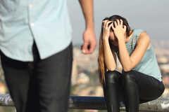 Công khai một vợ hai bồ, chồng khăng khăng tình yêu không có tội