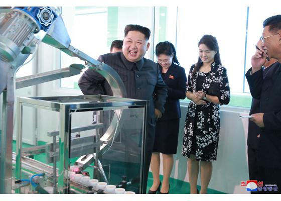Kim Jong Un,Kim Sol Ju,Kim Yo Jong,thị sát