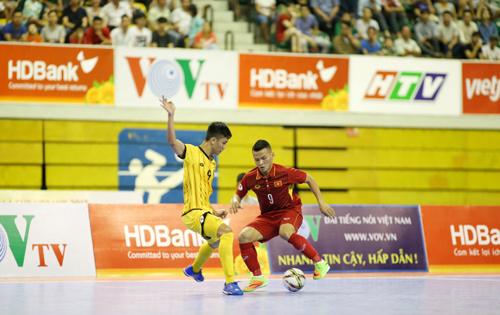 Giải Futsal AFF HDBank Cup 2017: Việt Nam nắm ngôi đầu bảng