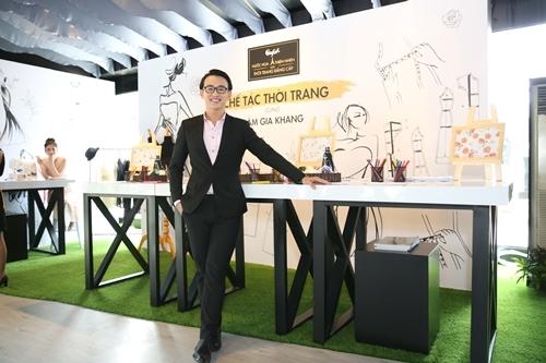 Sao Việt thích thú thăm quan 'xưởng chế tác thời trang' Comfort