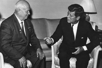 Hồ sơ giải mật hé lộ 'tiệc nhạy cảm' của Tổng thống Kennedy