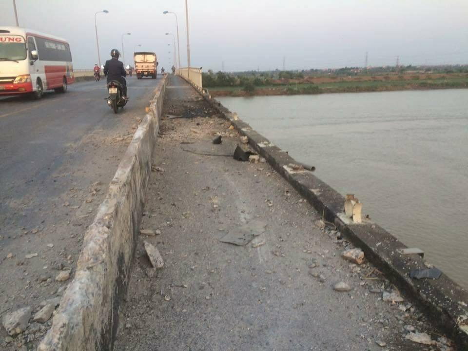 Tai nạn hi hữu,sập cầu,tai nạn giao thông,Hải Dương