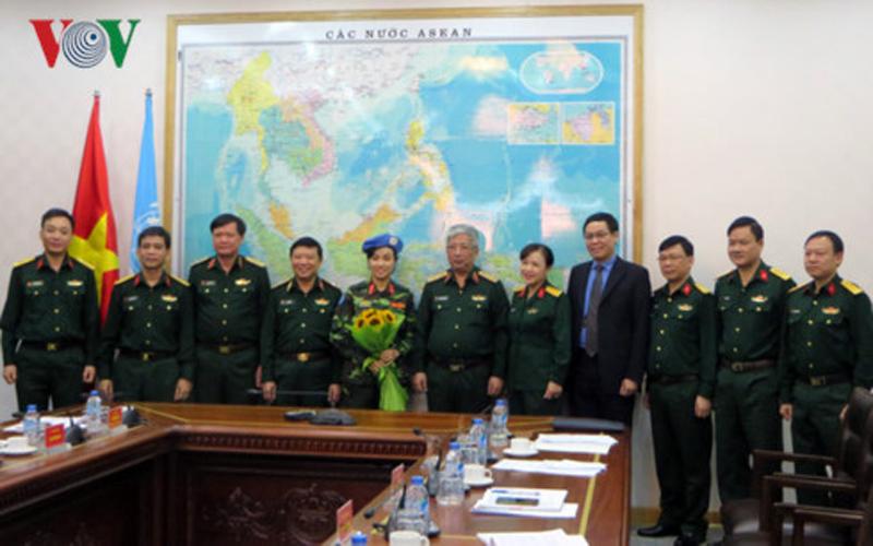 nữ sĩ quan,lực lượng gìn giữ hòa bình,Bộ quốc phòng,bổ nhiệm